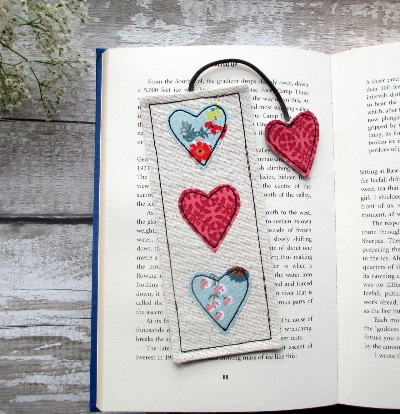 Heart Bookmark, Fabric Bookmark, Unique Bookmark, Gift for Book Lover / Bookworm / Teacher